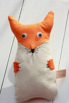 kis róka ./ little fox figure