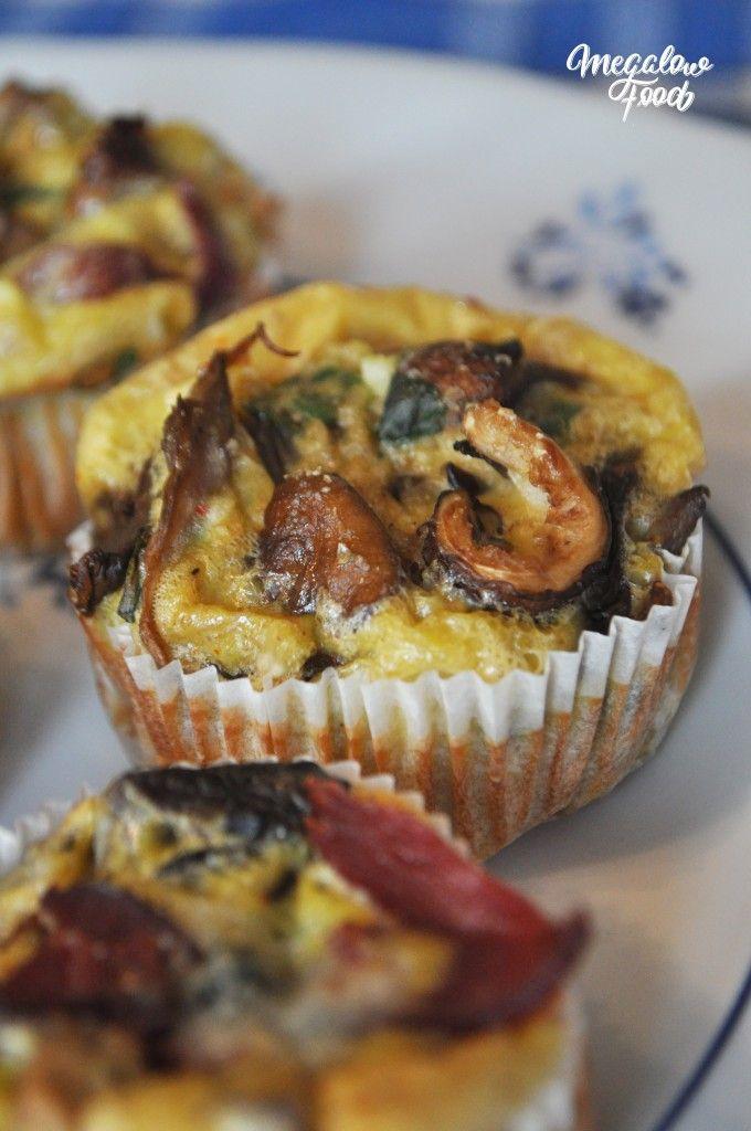 Egg-muffins pour bien commencer la journée ! La recette ici : http://megalowfood.com/egg-muffins-2-recettes-pour-un-petit-dejeuner-yummy-et-complet/