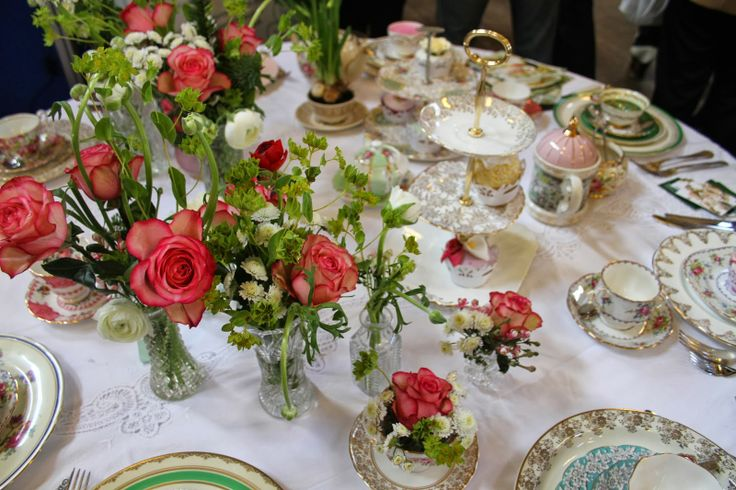 Pretty Fancy Vintage wedding place settings,