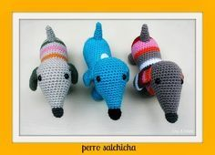 Perro Salchicha XL Amigurumi - Patrón Gratis en Español aquí: http://enelpaisdelapiruleta.blogspot.com.es/2013/11/perro-salchicha-amigurumi.html