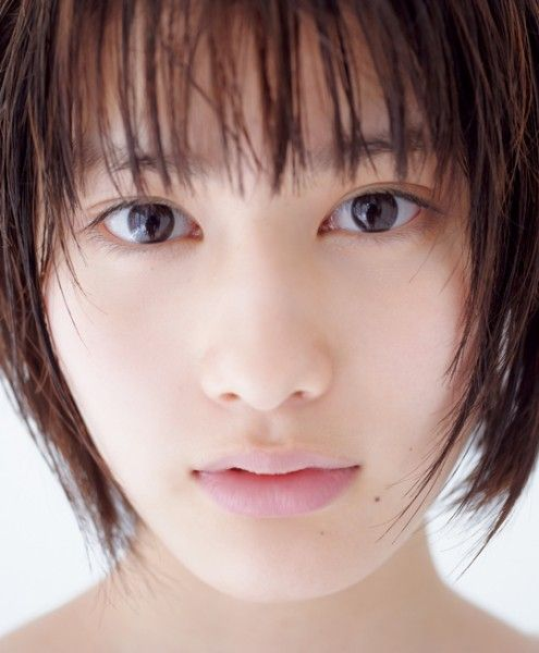 橋本愛初写真集「あいの降るほし」