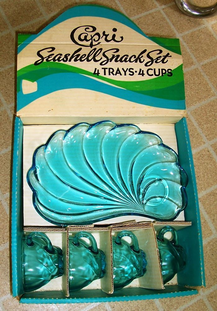 Vintage Hazel Atlas CAPRI SEASHELL SNACK SET Glass 8 pc Trays Cups Original Box
