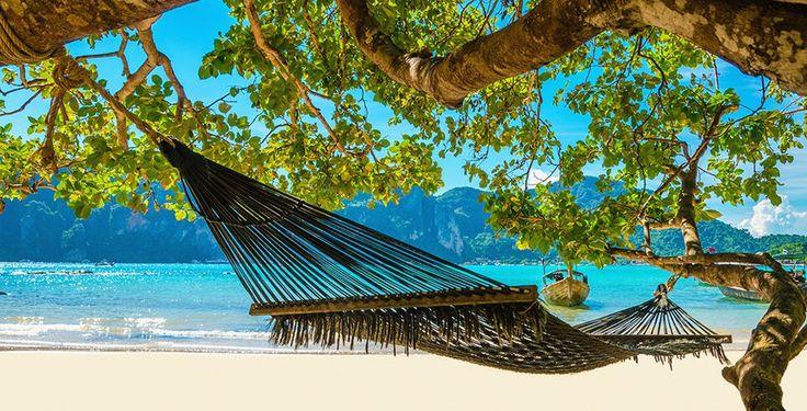 Sehnst du dich nach paradiesischen Stränden?  Buche eine 7 bis 14-tägige Rundreise in Thailand und übernachte in gehobenen Hotels. Im Preis ab 1'437.- sind die Verpflegung, ein Kochkurs und der Flug inbegriffen.  Hier geht es zu dem Ferien Angebot: