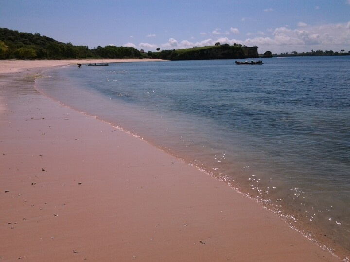 Tangsi Beach, virgin beach with pink sands on East Lombok Island, Indonesia #WonderfulIndonesia #Lombok