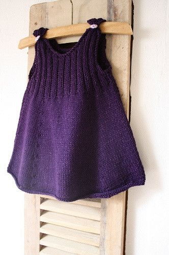 Ravelry: Robe (Chat Bleu ou Chat Rose ?) pattern by La Droguerie