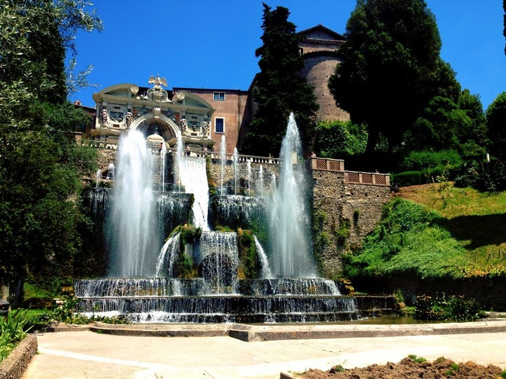 Fountain in the garden of the Villa d'Este in Tivoli, by Jenn Novak (Summer Archaeology Field School 2012).