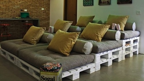 shipping pallet theater seating---for nook by fireplace with some cushions, blankets or outside!