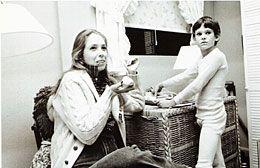 La scénariste et amie de Steven Spielberg, Melissa Mathison est morte à l'âge de 65 ans des suites d'un cancer.Présente profession ...