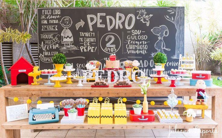 Olha que perfeição esta Festa Snoopy. Imagens Petite Partie. Lindas ideias e muita inspiração. Bjs, Fabiola Teles. Decoraç&a...