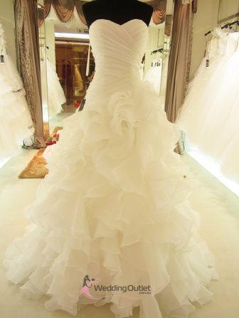 Elenora Ruffle Mermaid Wedding Dress. Beautiful but I would want a bigger skirt with longer train
