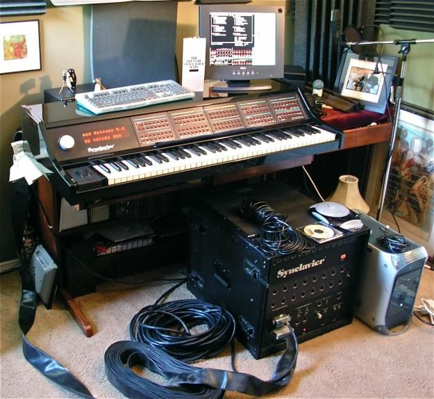 500 best vintage new synth drummachine images on for Classic house synths