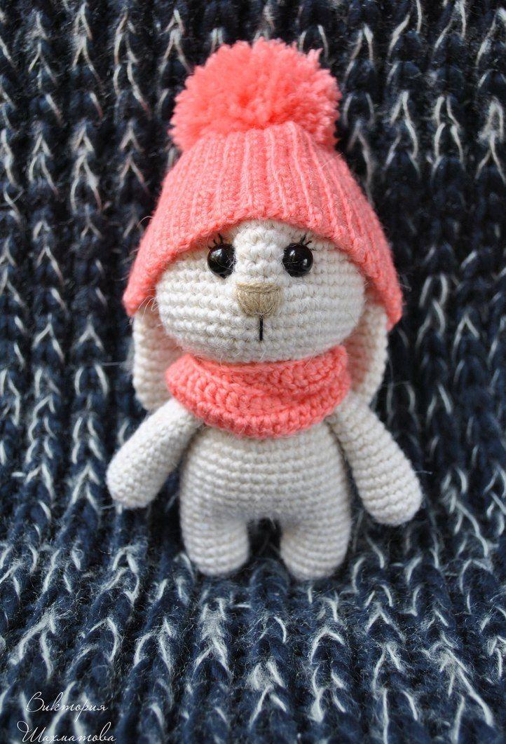 В связи с наступающими холодами утеплился и зайчик амигуруми. Зайчик в шапочке -авторская игрушка Виктории Шахматовой .