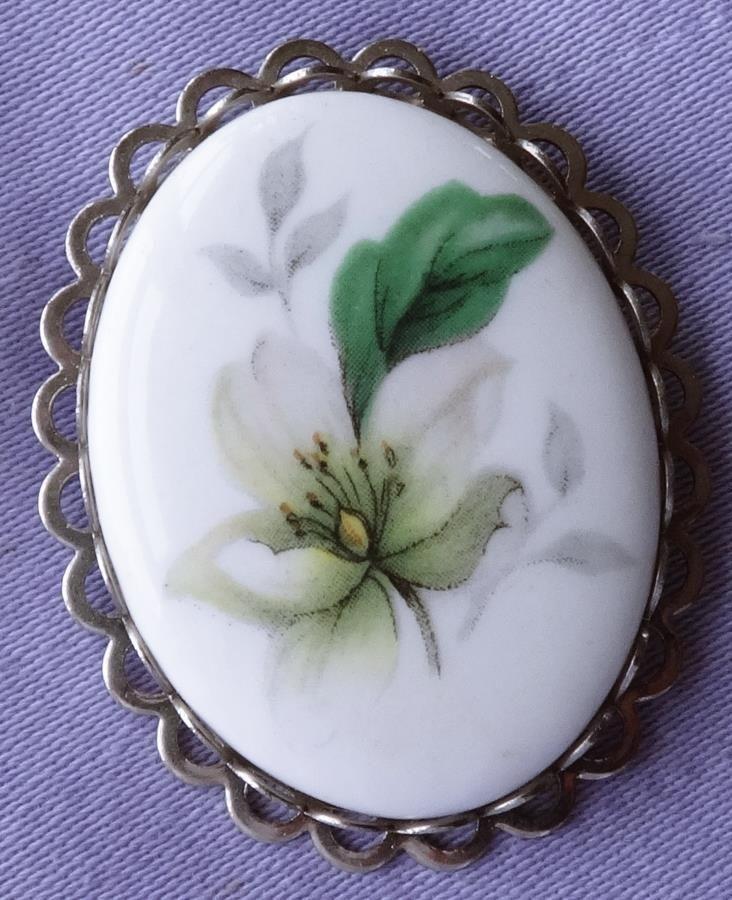Vintage Ceramic White LILY Flower Brooch