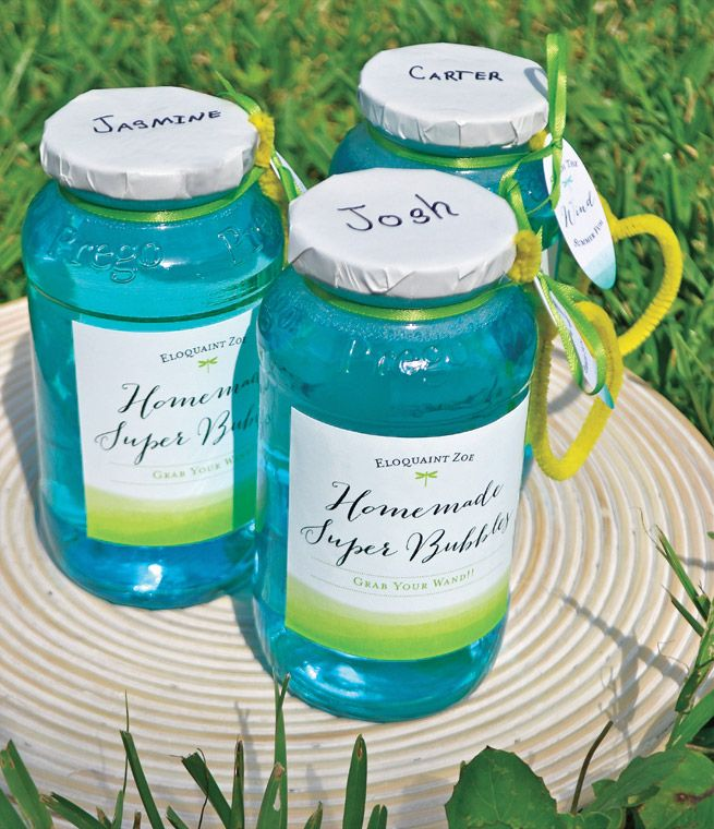 Homemade Super Bubbles from the Evermine  blog #craft #kids #diy