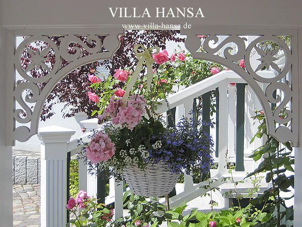 Willkommensblumen im Eingangsbereich.   #Villa #Hansa
