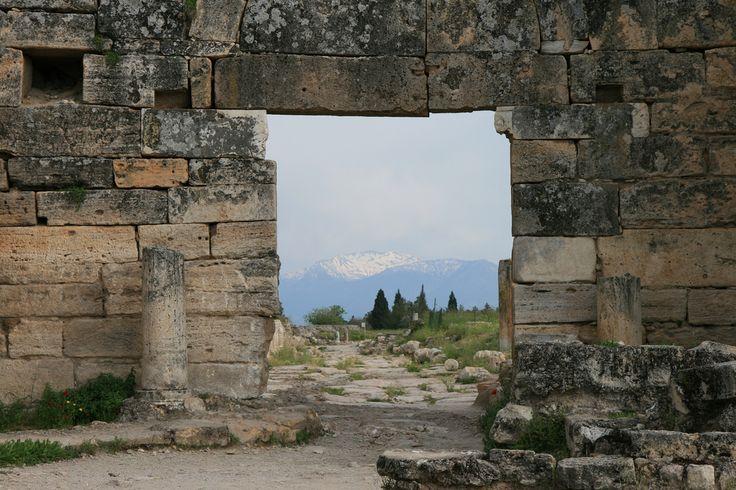 パムッカレの石門