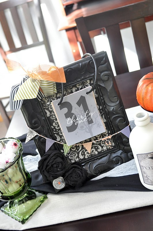 Halloween Countdown Calendar - Do not want to do this for Halloween, but would love to do it for Christmas!
