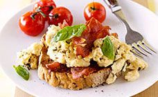 Scrambled eggs never go out of fashion! Try this light recipe packed full of flavour from @Kidspot