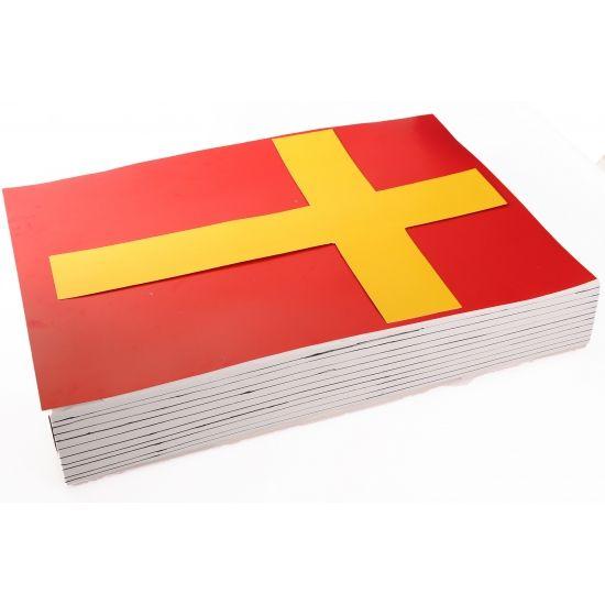 Sinterklaas boek surprise maken pakket. Compleet basis bouwpakket om het boek van Sinterklaas als surpise te maken. Dit pakket bestaat uit de basismaterialen en instructies die u nodig heeft om het boek te knutselen van ongeveer 70 x 50 cm, zoals op de 1e foto. Daarna kunt u de surpise naar eigen wens versieren en personaliseren. Extra nodig: - Lijm of dubbelzijdig tape - Liniaal - Schaar - Zwarte stift Ruimte voor kado: In de doos van 60 x 40 x 10 cm.