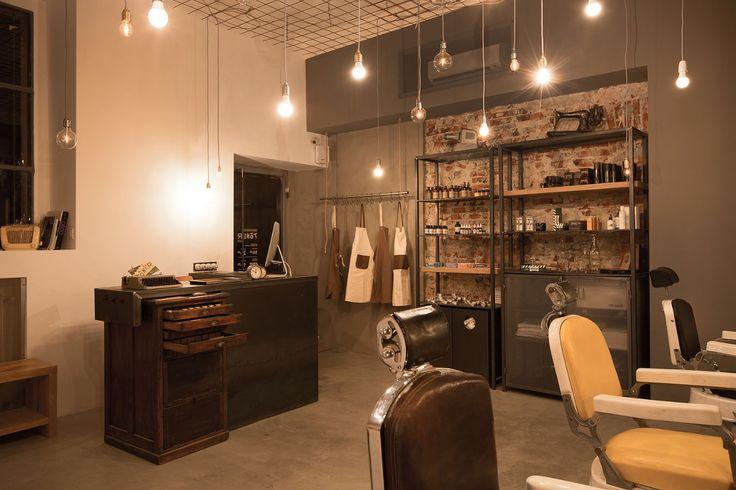 Tonsor Club Barber Shop via Palermo: prezzi e orari. Prenota online | Uala