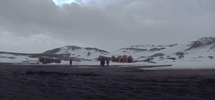 Isla Decepción. Resto de bases antarticas y balleneras.