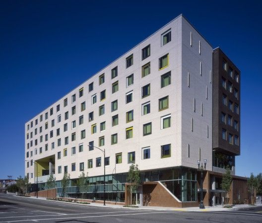 Bud Clark Commons / Holst Architecture Dignified housing for the former homeless.