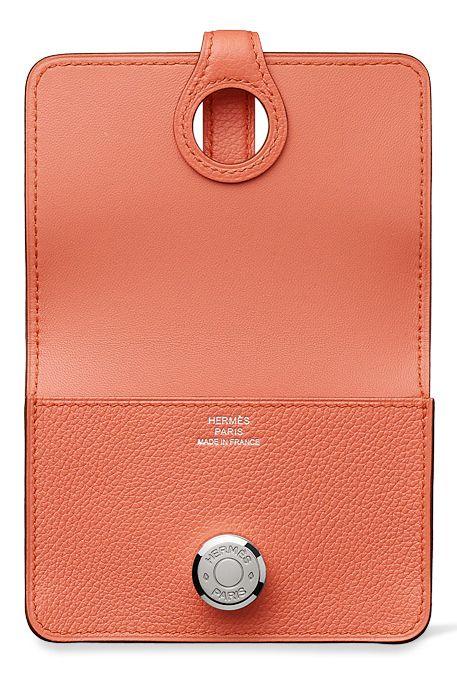 Hermes - Dogon leather card holder. Inside view.