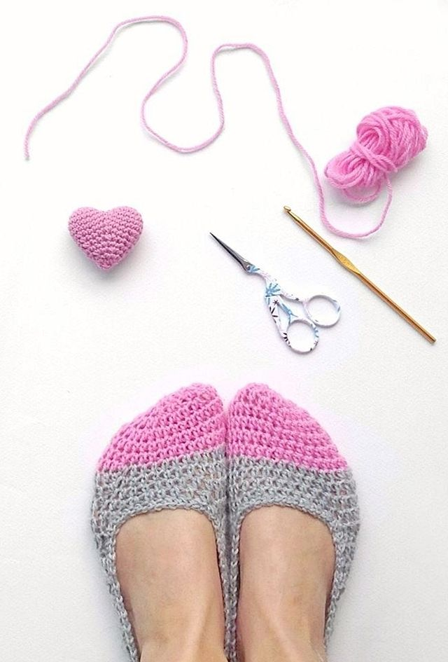Crochet Slippers & Mini Heart - Free Pattern!