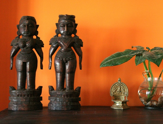 Gorgeous Indian wooden dolls, like the kind my grandma used to play with