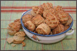 ŐRÜLTEN  JÓ ÉTELEK : Pogácsa és tepertő avagy ...és vége az évnek