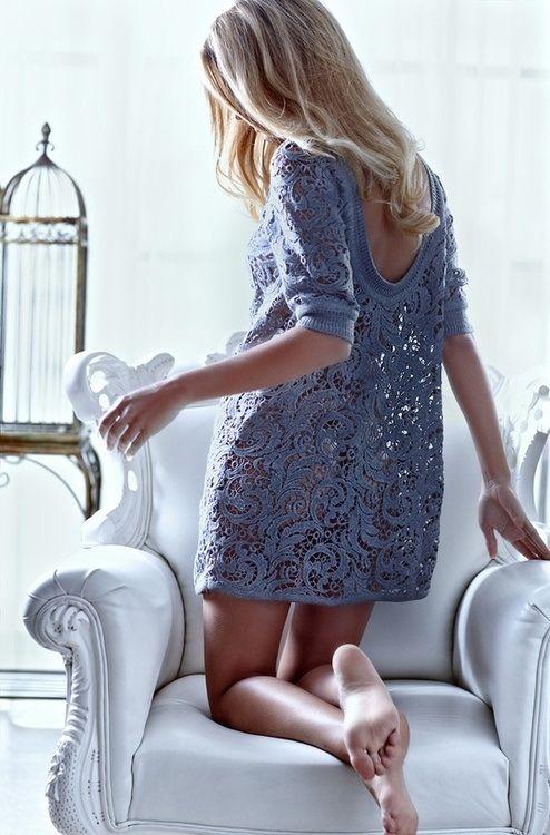 robe en crochet bleue