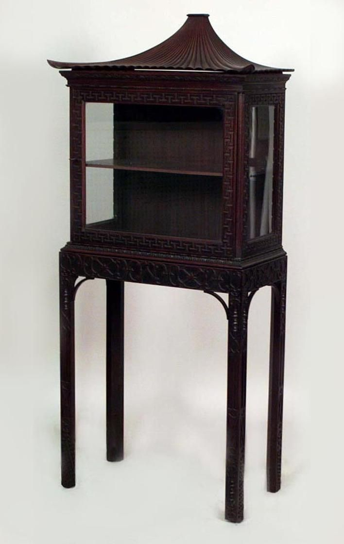 English Chinese Chippendale cabinet/case-piece display cabinet/vitrin