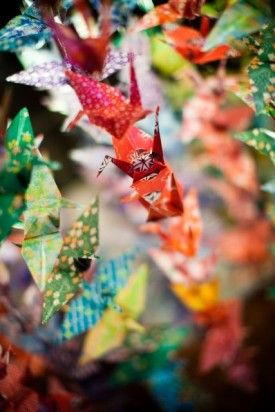 1000 paper cranes - beautiful japanese tradition... I'm going to do this. I shall put them all on my walls, then when a family member is very ill they are go to them. For healing