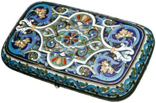 Портсигар украшенный полихромными эмалями по скани Конец XIX - начало XX веков