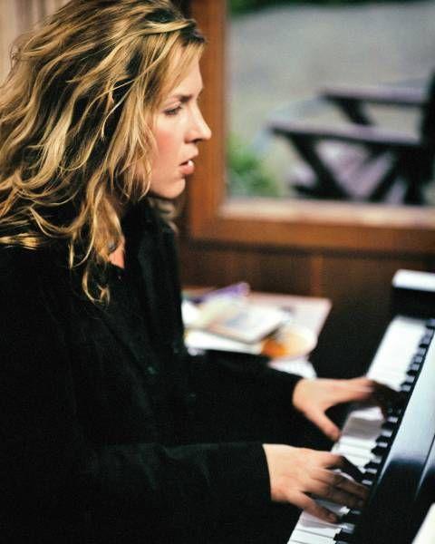 12.1 Если живой концерт - то любимой Diana Krall - обожаю ее за песни о вечном, за вечные хиты, за мастерское исполнение их на фортепиано