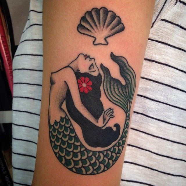 Another sweet friend. Mermaids coming to life at @pmatattoorockers Para Renata. Obrigada!! (at Pma_tattoo_rockers)