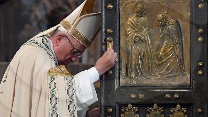 """Papst Franziskus und die Abtreibung: Das päpstliche Schreiben Misericordia et misera wurde von den Medien """"mißverstanden"""", doch der Vatikan stellt nicht richtig."""