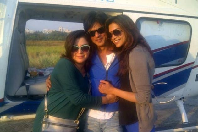 """Shahrukh, Farah & Deepika. It looks like a still from """"Om Shanti Om"""" as Deepika debut in Bollywood from Farah's movie """"Om Shanti Om"""" opposite Shahrukh Khan. But it's a still from """"Chennai Express"""" for which all the three back in team."""