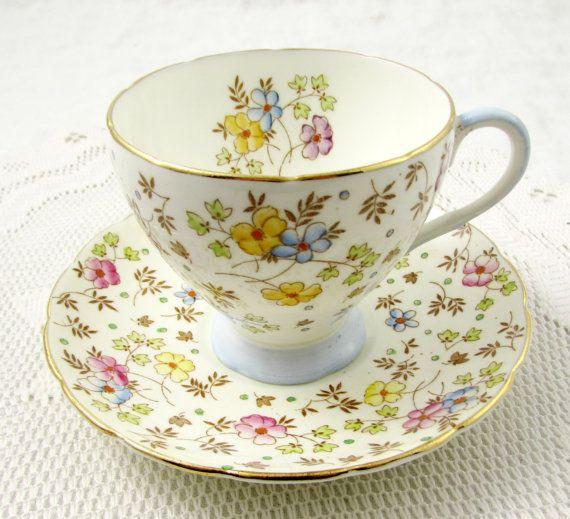 Taza de té de Foley y el platillo con mano pintan flores, Vintage China de hueso