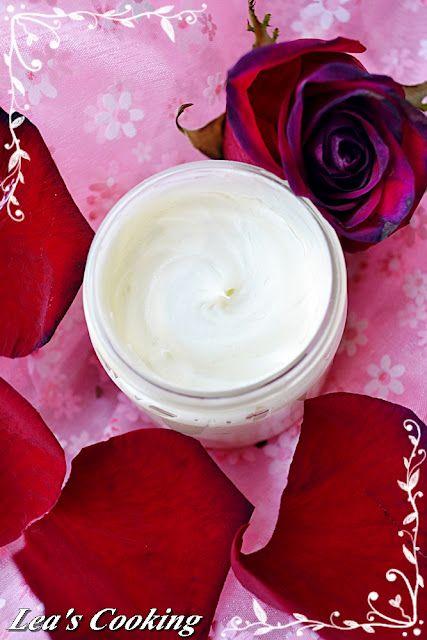 {Organic Rosehip Face Cream}
