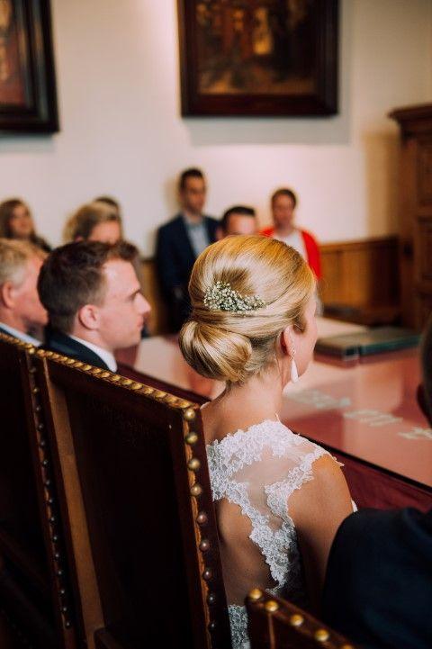 YouDidith fotografie | bruidsfotograaf trouwfotograaf trouwfoto bruidskapsel bruid kant bruidsjurk babybreath trouwen trouwceremonie