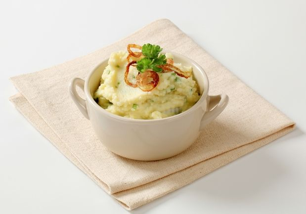 Картофельное пюре — это всегда отличный вариант. Это вкусное, сытное, легкое в приготовленииблюдопод силу даже неопытной хозяйке. Но, согласитесь, есть просто пюре бывает скучно. Мы […]