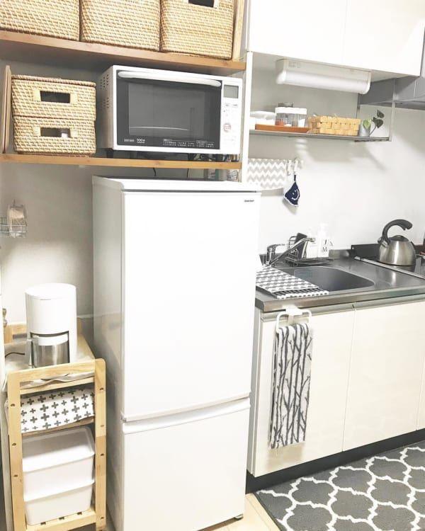 大人女子の 一人暮らしキッチン 特集 レイアウトから収納アイデア