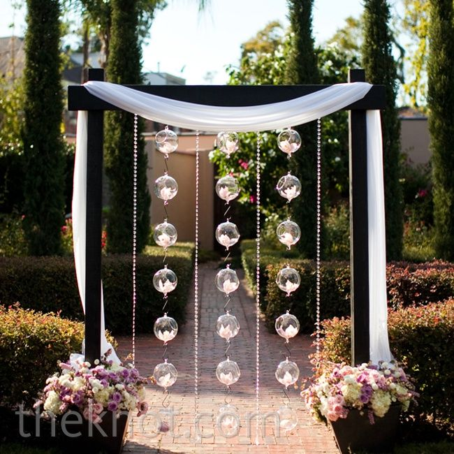 Outdoor Wedding Altars: LOVE Orchid And Glass Ball Altar Decor