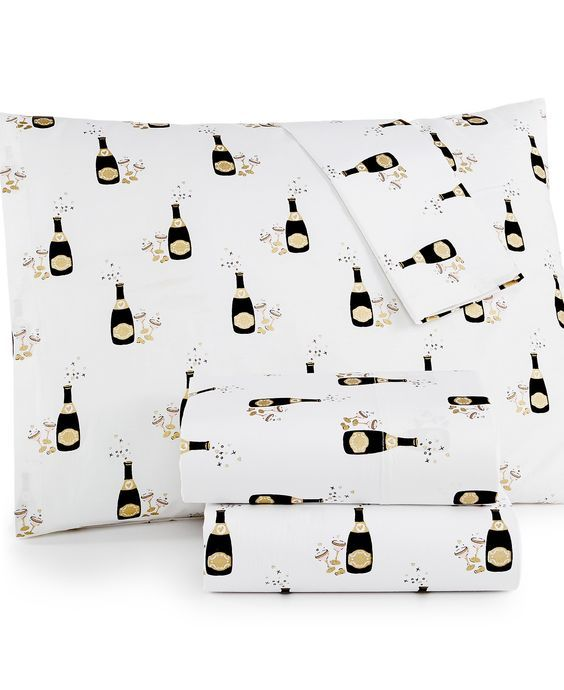CLOSEOUT! Whim by Martha Stewart Collection Holiday 200-Thread Count Queen Sheet Set – Sheets – Bed