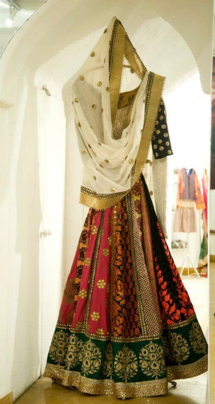 Love This #Lehenga - The Pattern & Colour Combination.