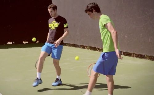VIDEO: Meet The Guy who Stunned Novak Djokovic, Maria Sharapova, Andy Murray with Tennis Tricks - http://www.tsmplug.com/tennis/video-meet-the-guy-who-stunned-novak-djokovic-maria-sharapova-andy-murray-with-tennis-tricks/