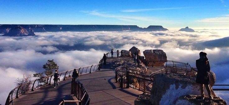 Реки облаков заполнили Гранд Каньон, США