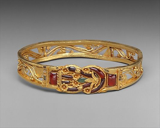 Gold armband with Herakles knot ca. 3rd–2nd century B.C