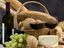 Cheese, bread or crackers, fruit - pears, grapes, kiwi, apples, berries, figs